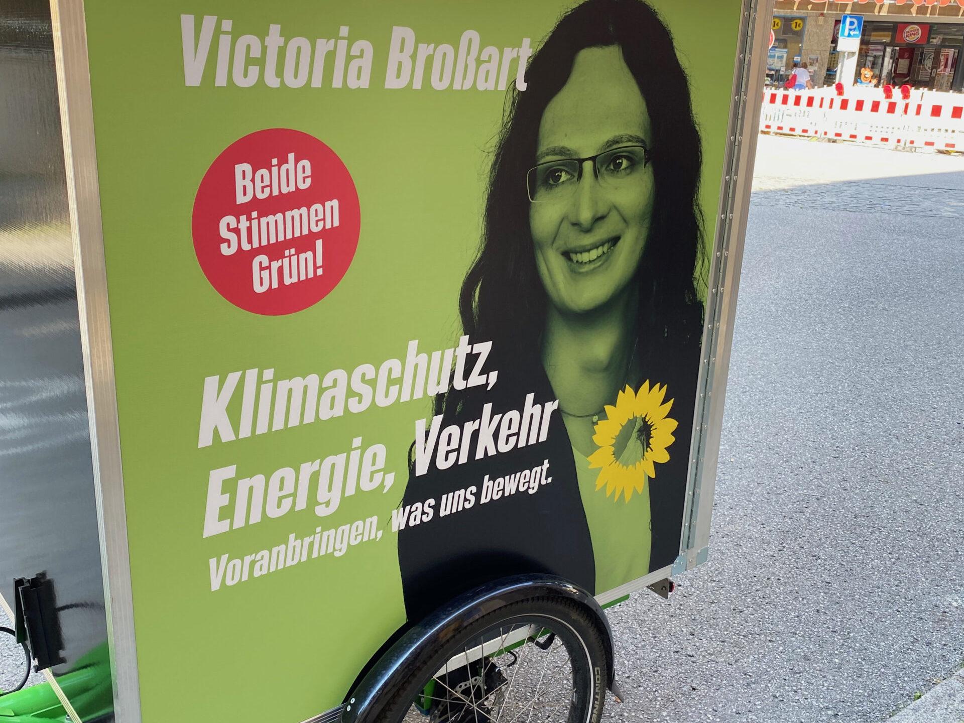Bundestagskandidatin Victoria Broßart in Raubling